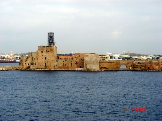 Old-port-of-brindisi-brindisi-italy 1152 12835215837-tpfil02aw-23210