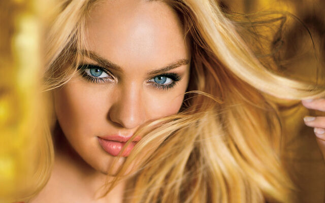 File:Candice swanepoel-wide.jpg