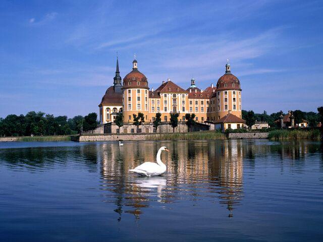 File:Moritzburg Castle Near Dresden, Germany.jpg