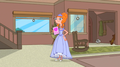 Candace shows off her bridemaid's dress