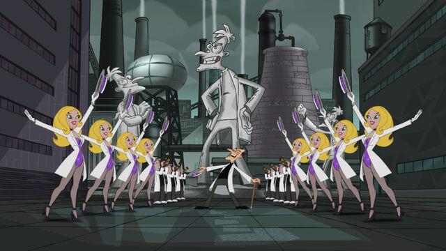Tập tin:Emperor Doofenshmirtz and his statue.jpg
