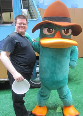 File:Mobo85 with Agent P.jpg