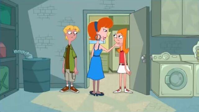 File:Linda closes Candace's mouth.jpg