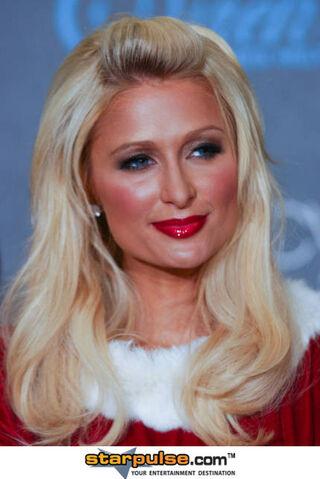 File:Paris Hilton-ALO-099267.jpg