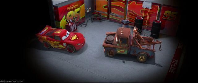 File:Cars2-disneyscreencaps.com-8860.jpg