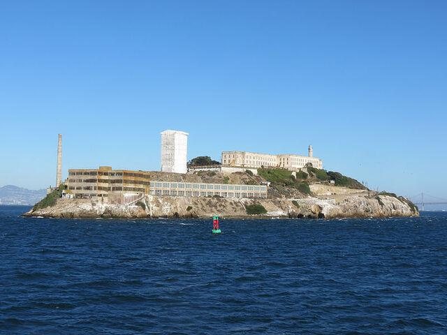 File:Alcatraz from the Tiburon to San Francisco ferry.jpg