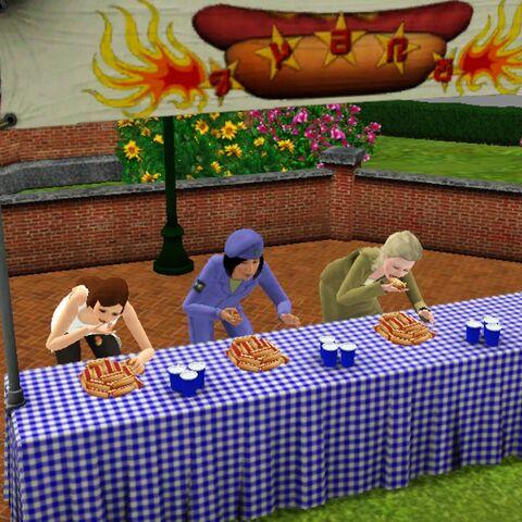 Konkurs jedzenia hot-dogów na Festiwalu Lata