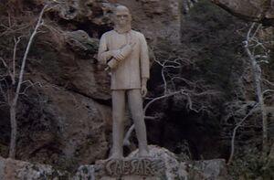 Caesar statue 2
