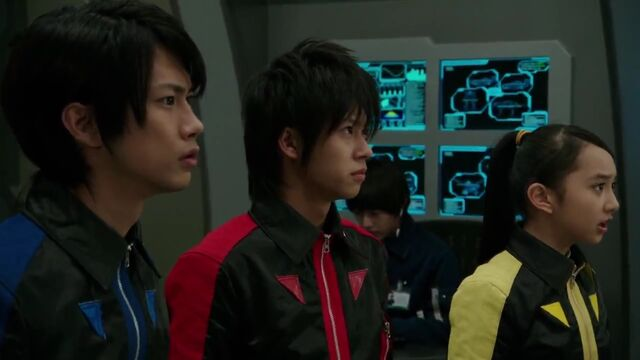 File:Go-Busters (Super Hero Taisen).jpg