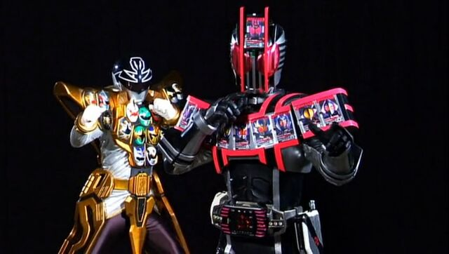 File:Gokai Silver Gold Mode and Decade Complete Form.jpg