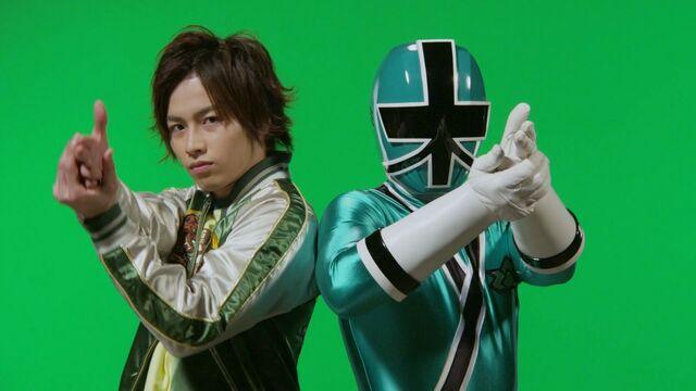 File:199 Hero Great Battle - Shinken Green.jpg