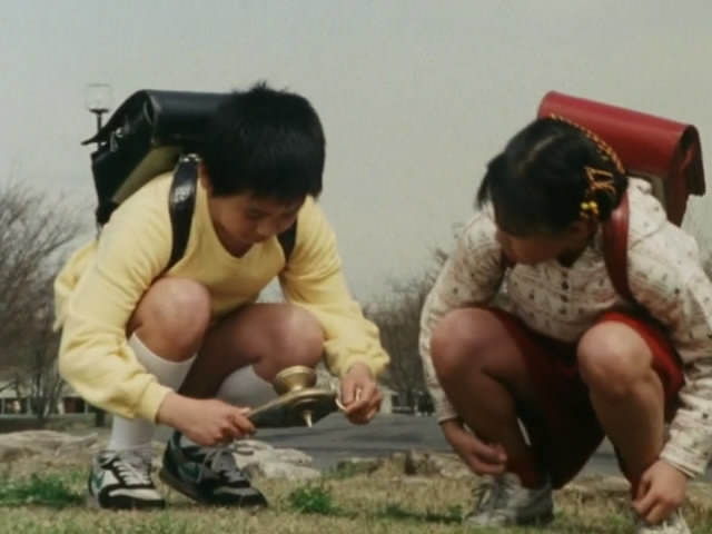 File:Zyuranger episode 11 (Takuya & Yukari).jpg