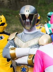 Lightspeed Rescue Titanium Ranger Upgraded in Super Megaforce!