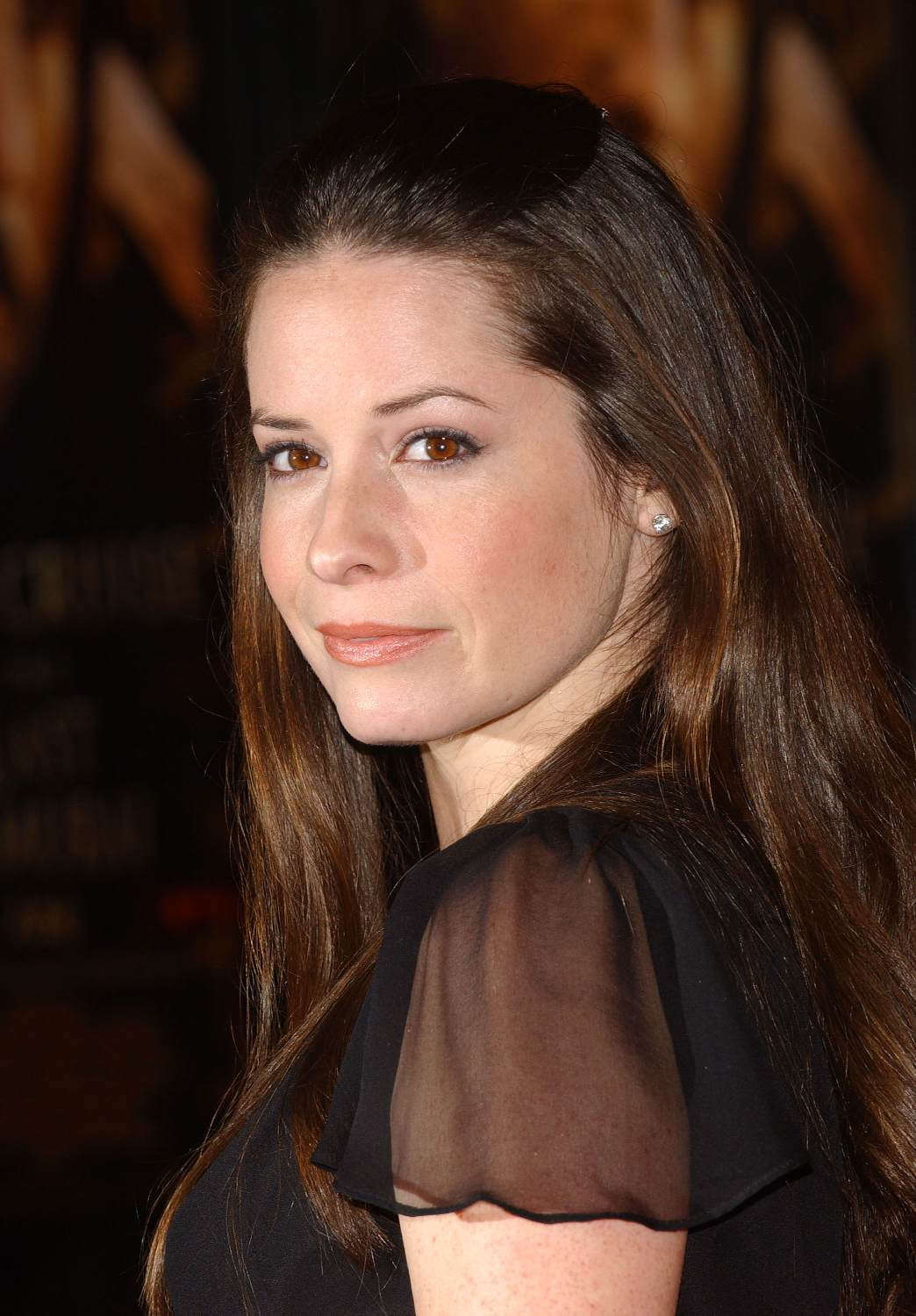 holly marie combs dates