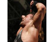 Raw-13-2-2006.19