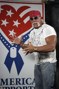 398px-Hulk Hogan2