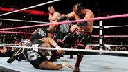 October 12, 2015 Monday Night RAW.19