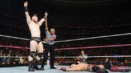 October 5, 2015 Monday Night RAW.18