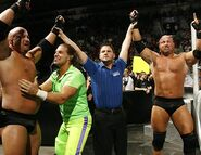 Smackdown-14April2006-19