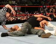 Raw 14-8-2006 6