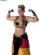Alphafemale elbow