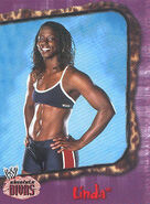 2002 WWE Absolute Divas (Fleer) Linda 15
