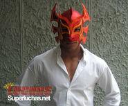 Dragón Rojo, Jr. 4