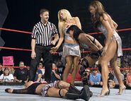 August 29, 2005 Raw.22