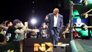Dusty Rhodes statue unveiled at Axxess.1