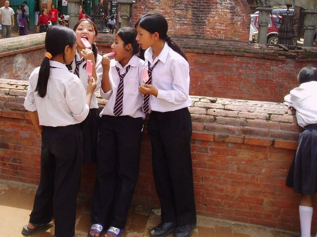 File:School girls in Bhaktapur.jpg