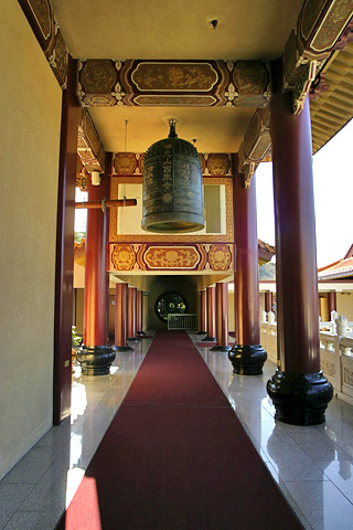 File:Lightmatter Hsi Lai Temple 3.jpg