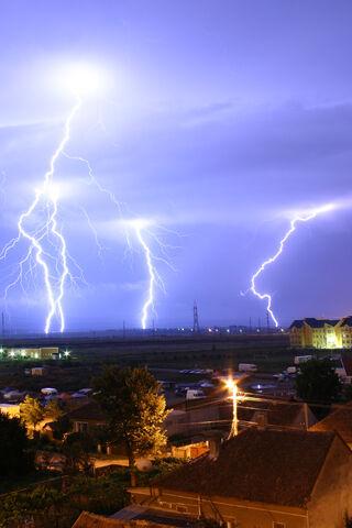 File:Lightning over Oradea Romania 2.jpg