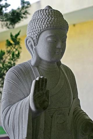 File:Buddha image - white stone.jpg