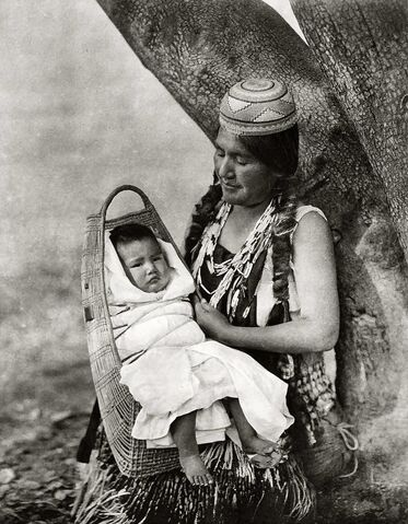 File:Edward S. Curtis Collection People 004.jpg