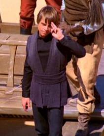 Luke saluda.JPG