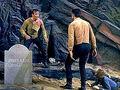 Kirk e Gary Mitchell lutam.jpg