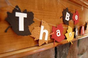 File:300px-Thanksgiving-leaf-garland.jpg
