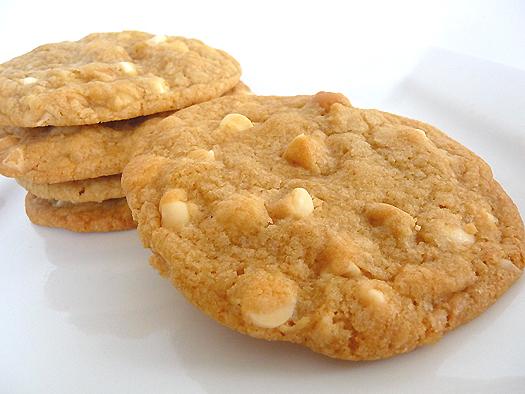 File:White-chocolate-macadamia-nut-cookies-main.jpg