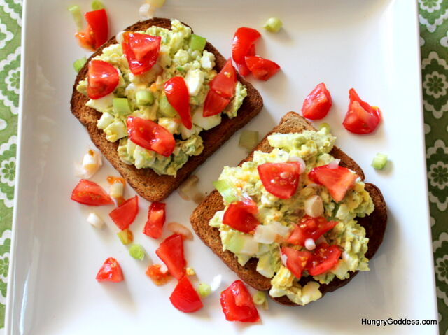 File:Avocado-Egg-Salad-with-Tomatoes-from-The-Hungry-Goddess.jpg