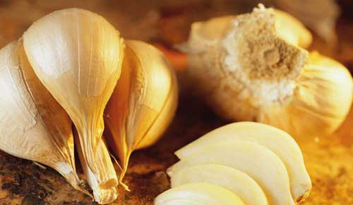 File:GarlicCloves.jpg