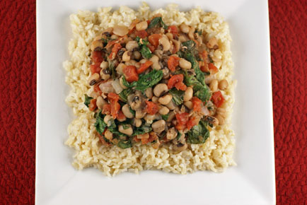 File:Black-eyed-peas-greens-11.jpg