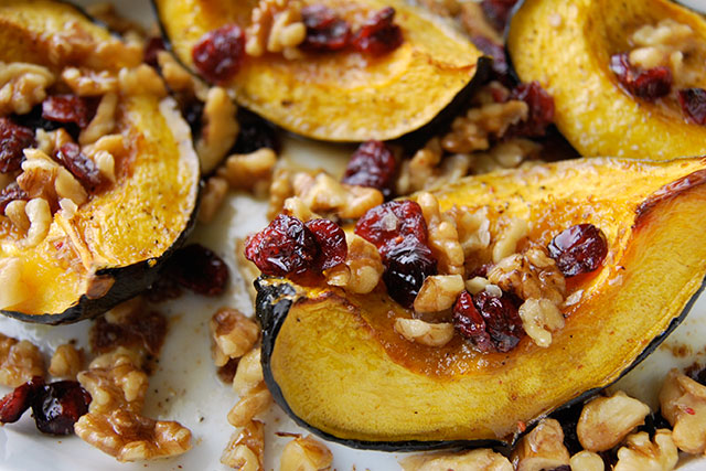 File:Roasted-Acorn-Squash-With-Walnuts-and-Cranberries-Recipe.jpg