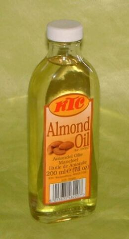 File:AlmondOil.jpg