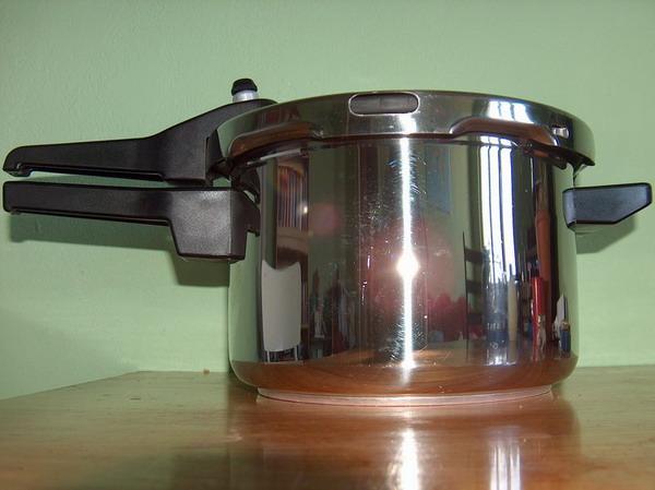 File:Pressure cooker 600.jpg