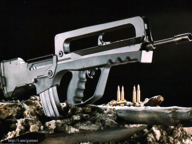 File:Civilian Gunner FAMAS.jpg