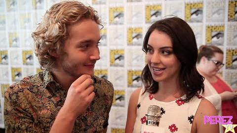 EXCLUSIVE! Reign's Adelaide Kane, Toby Regbo & Megan Follows Tease A Frary Baby At Comic-Con!