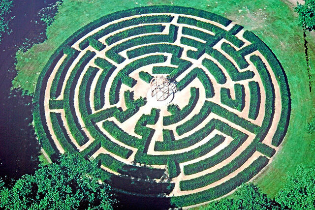 File:France-001675 - Maze (15291950978).jpg