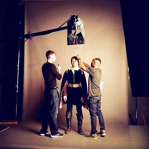 File:Reign - BTS - Photoshoot.jpeg