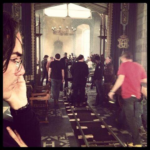 File:Behind the scenes reign.jpg