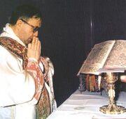 Escriva at Mass 1971